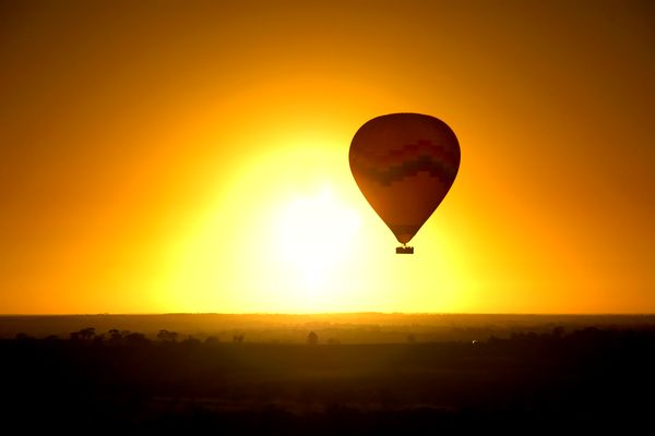 Hot Air Ballooning ()